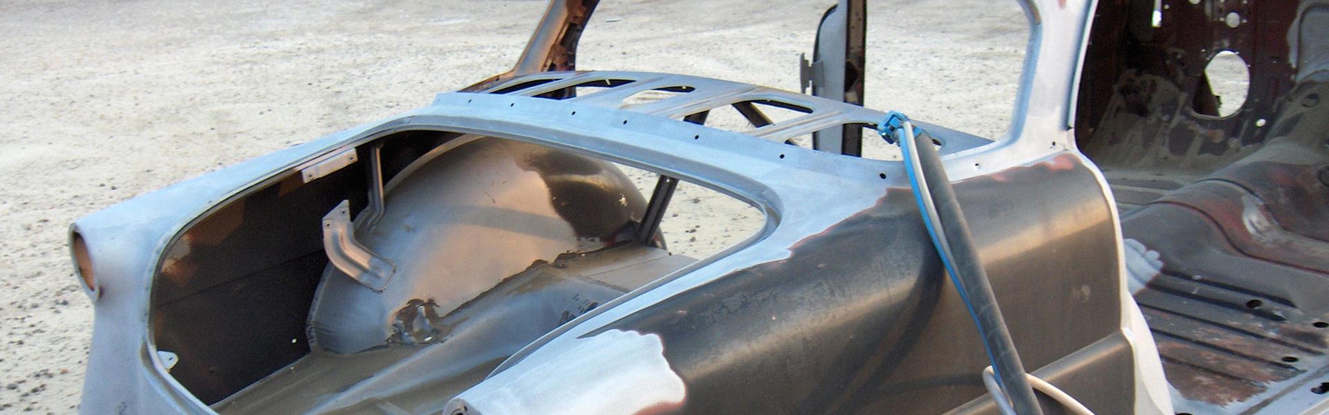 Décapage de carrosserie avec l'aérogommage